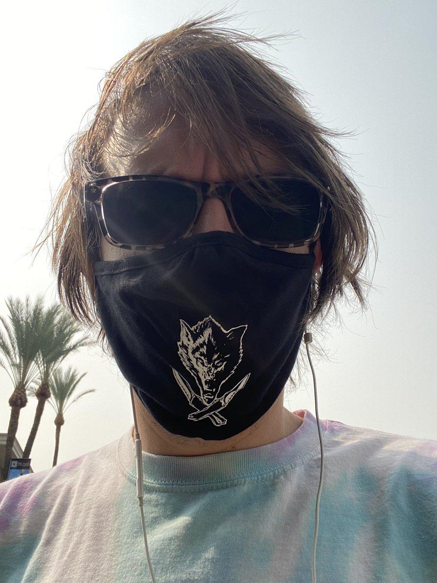 @EllisMate got the @WolfKnives_Shop mask yesterday! Fits great! https://t.co/Z2GZFoHx34