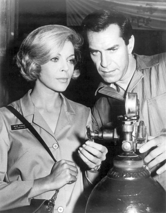 Happy Birthday to Barbara Bain who turns 89 today!  Pictured here with Martin Landau on Mission Impossible.