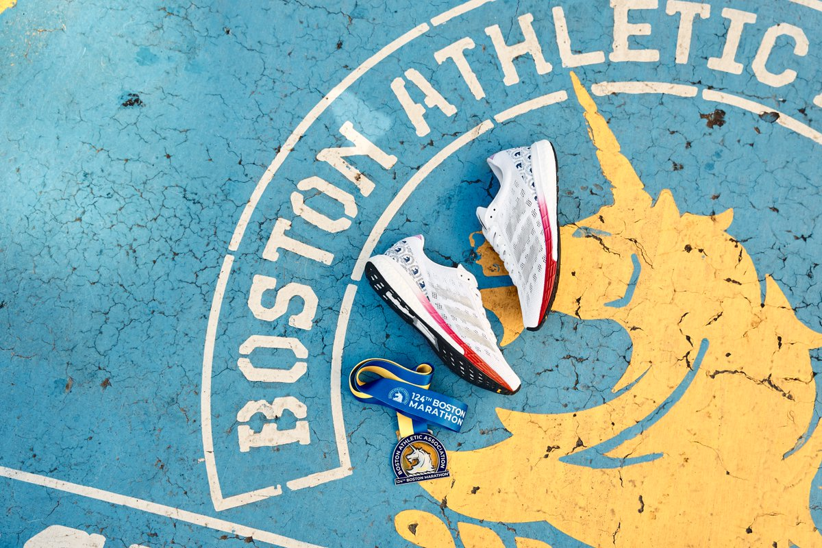 It's #MedalMonday and we're teaming up with @adidas to celebrate you and the city we hold close to our hearts. Run hard, celebrate and #finishSTRONG!  #BostonMarathon  🦄 https://t.co/WtMoVT4adn