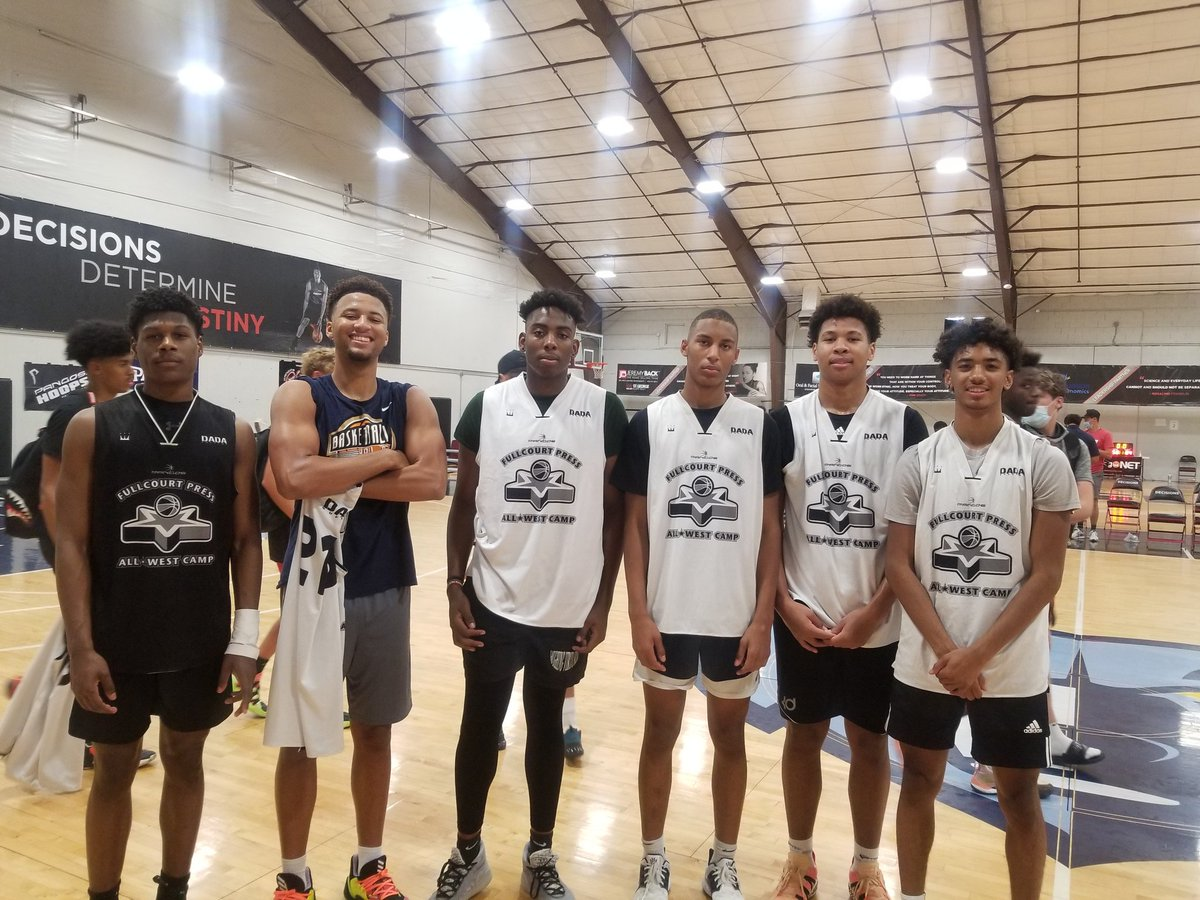 Congratulations 2 Las Vegas standouts @storr_aj @DanielRouzan @BG_Basketball @KireeHuie Aaron Price @Joshua_LV0 @LibertyHSHoops and @lossyuzan @DP_Basketball 4 being selected to the top 25 game of the @FCPPangos All West Camp https://t.co/RIQla2vfwZ