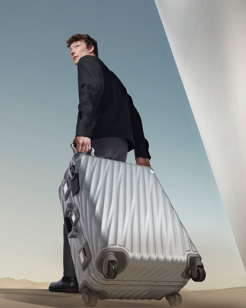Make a bold statement with our super durable, modern aluminum luggage collection that features fluid, beautifully contoured angles. #PerfectingTheJourney https://t.co/USgX0vUNA4