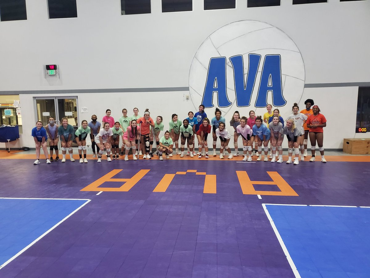 Passing School, 1st session is in the books! @avatxvolleyball Lots of feedback, great attitude, and hard work! It is combination for success! Super pleased with how it went!! Thank you players and coaches!! #PassingSchool #avafamily💙 https://t.co/ctU7JmHXgK