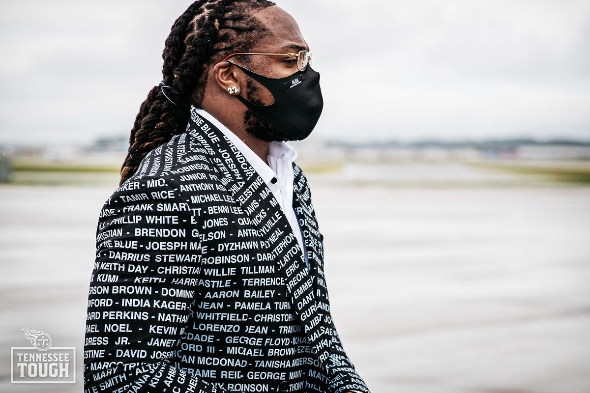 Derrick Henry wore a suit honoring victims of racial injustice  (via @Titans) https://t.co/gpAVLqX8o4