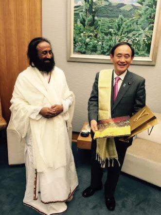 Hon'ble Yoshihide Suga set to become the next PM of Japan . Congratulations! ( File Pic with Gurudev @SriSri Ji ) @sugawitter @PMOIndia @NHKWORLD_News @AbeShinzo @MEAIndia @DrSJaishankar https://t.co/iqR6iDBjEG
