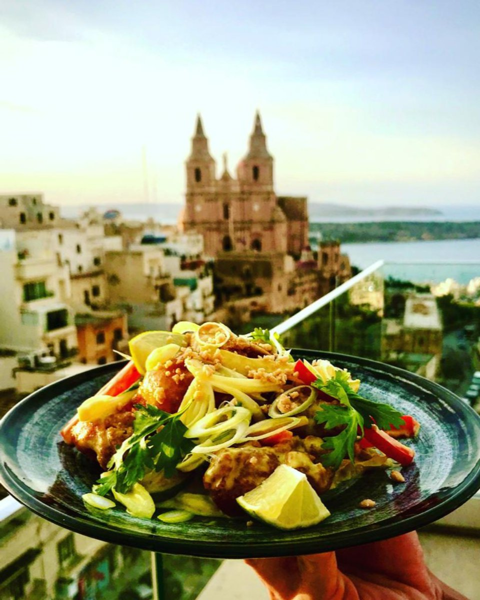 Who else would like to be here right now? 😍  Enjoying these mouthwatering dishes🍛 with a beautiful breeze overlooking the Lovely Mellieha church ⛪ https://t.co/Q1KiWSfouw
