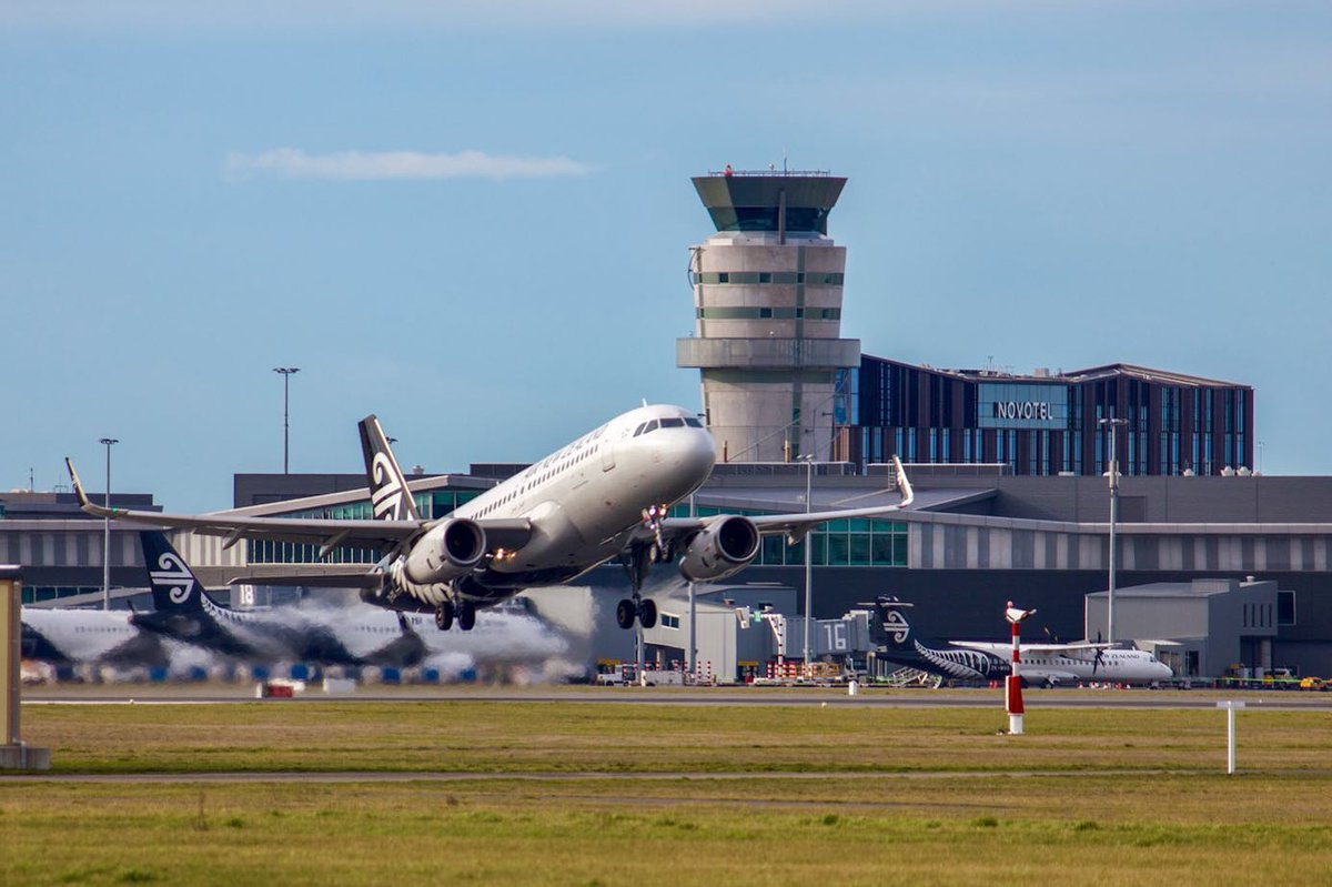 Up, up and away 🛫☀ @FlyAirNZ   📸: IG invercargill_aviation https://t.co/nreD1MBVBh