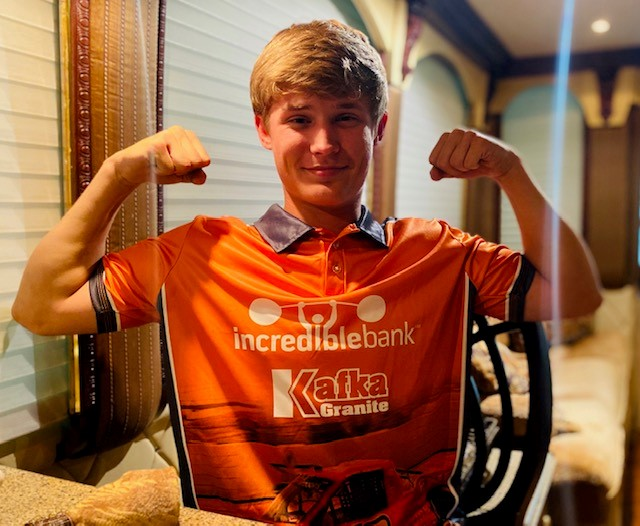 IncredibleBank will sponsor Derek Kraus at Bristol Motor Speedway! Derek is a legitimate contender for rookie of the year honors after his 2nd place finish at Darlington Raceway in the NASCAR Outdoor Truck Series. Learn more about Derek here: https://t.co/4keY2AqTax https://t.co/krl3zKef1H
