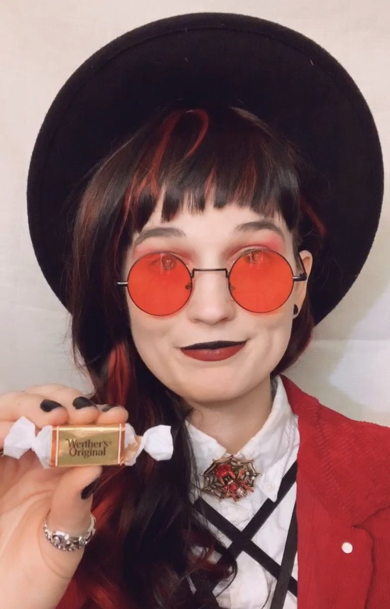 Jamie finally got that good candy... Werthers #jamiewrenly #cosplay #cinderbrush #Criticalrole https://t.co/ZiaUkRDNiT
