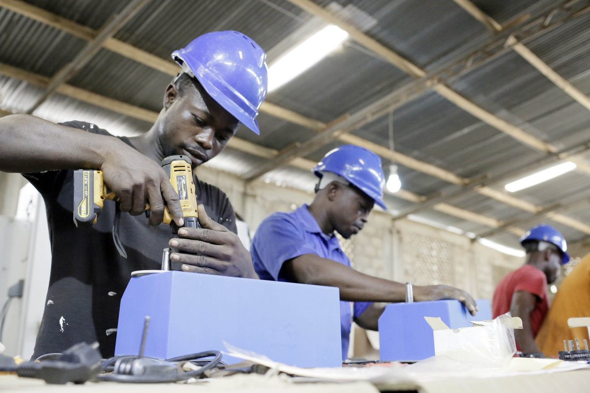 🇹🇬 NEW REPORT: The #Coronavirus is exerting significant pressure on the #Togolese economy. Read our very first #TogoEconomicUpdate to learn more about our recommendations for improving the business climate and promoting private investment  ➡️:  https://t.co/pANEUIAfAa https://t.co/Gzzb4oJtfP