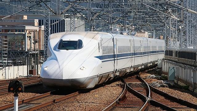 【破格】JR西日本全線2日間12,000円の「どこでもドアきっぷ」発売へ「2名以上で同一行程利用」という条件。JR西日本・九州・四国全線が3日間乗り放題になるバージョンも存在する。