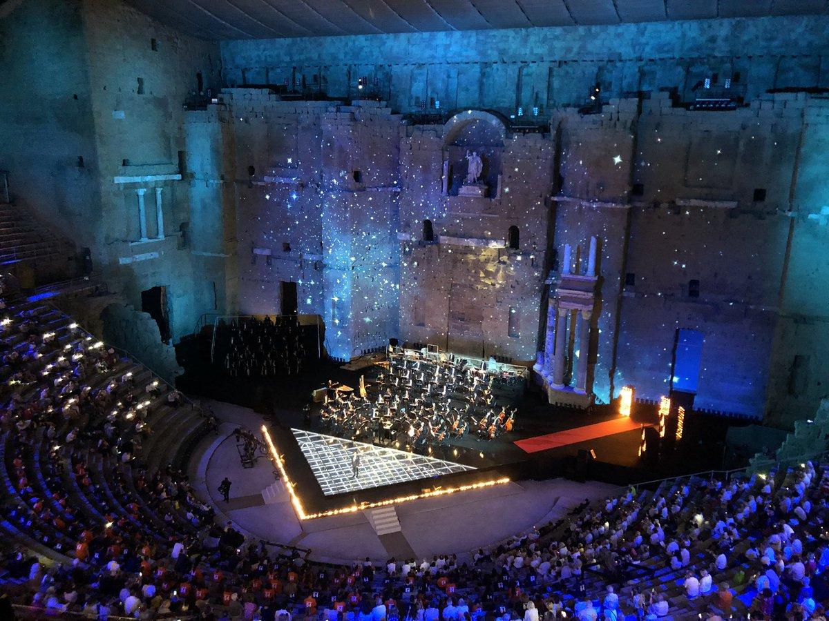 📺 Vous étiez plus d'1 million de téléspectateurs devant [Musiques en Fête] sur @France3tv avec l'Orchestre national @Montpellier3m @Occitanie qui a interprété plus de 30 extraits musicaux en 3 heures d'émission ! 👏 (Photo © @cbarthalois) REPLAY : https://t.co/D3RzYyoDp3 https://t.co/HVQHWENuJb