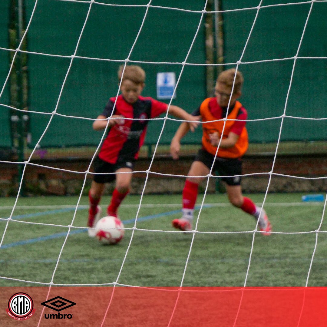 *Everyday is a chance to get better* . Hope you all have a great week, we can't wait to see you at RMA training ⚽️ https://t.co/p76G75P5mJ