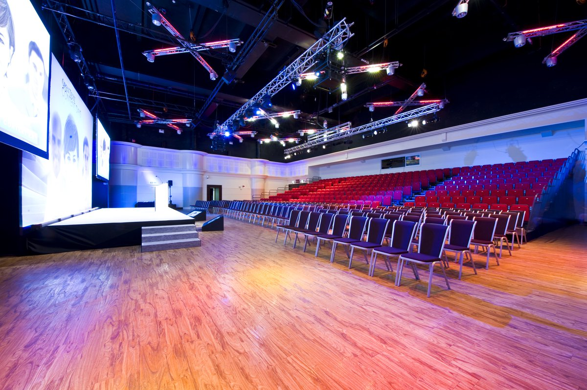 The Rise of Hybrid Events  We caught up Regional Sales Manager Luke Stevenson, PSAV on the rise of #hybridevents and effective ways to host #meetings, #conferences, #workshops and more!  Read more: https://t.co/nJzyO31U3e https://t.co/yrAi51obmX