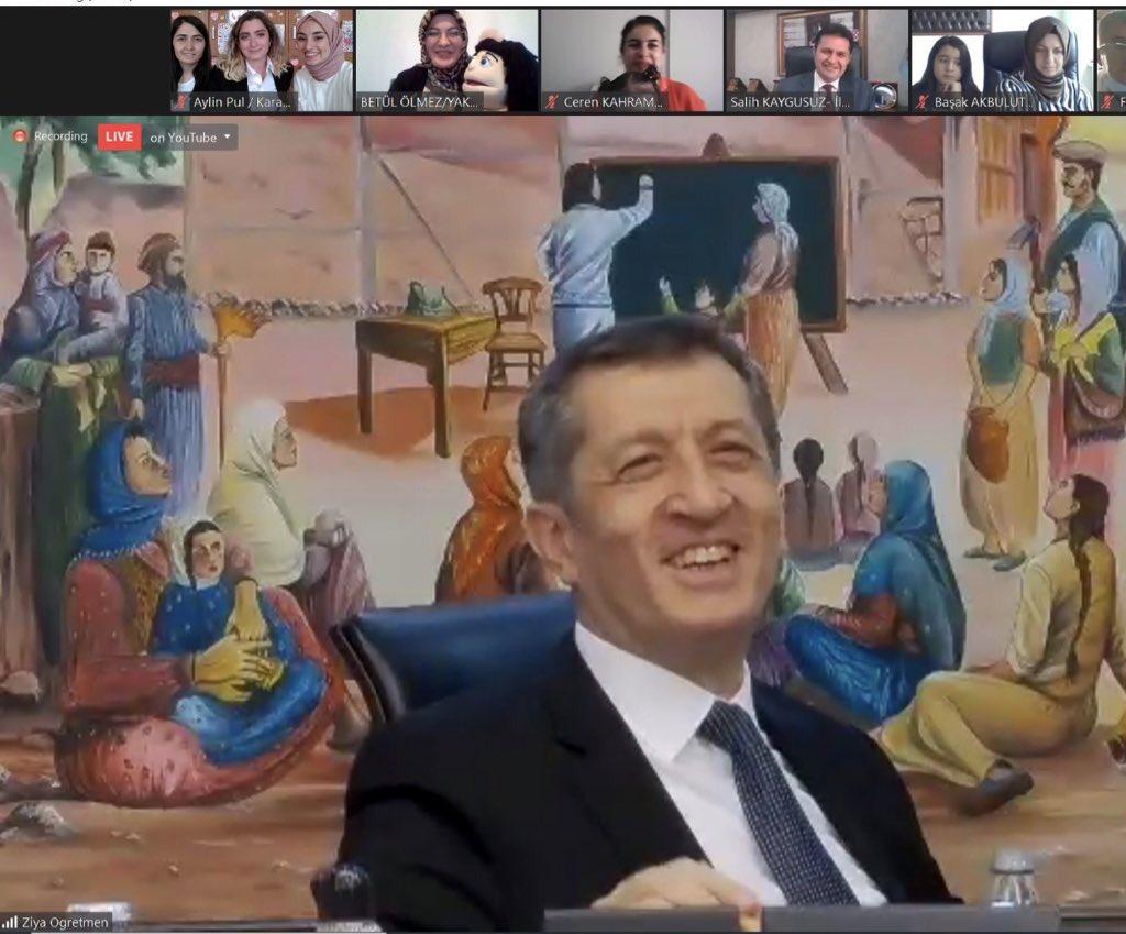 Öncelikle bana bu fırsatı sunan Erzurum İl Milli Eğitim Müdürlüğüne teşekkür ediyorum. Ziya Öğretmenimizle Çayırbeyli'de buluştuk mutluluk ve gurur içerisindeyim teşekkür ederim.#uzaklastıkcayakınlasıyoruz @skaygusuz @karayazimeb @Erzurum_Mem @ziyaselcuk @CayRbeyli @muhliscicek25 https://t.co/BQZ2KkS3AW