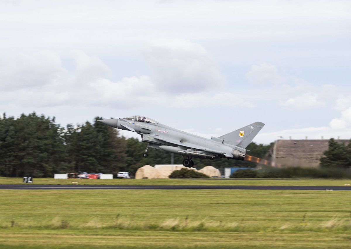 🚨 Quick Reaction Alert Typhoons were scrambled today from their temporary base at Leuchars Station in Fife.   ✈️ This was in response to Russian military aircraft operating in international airspace, but within @NATO's Air Policing Area.   Here's what you need to know 👇  1/#QRA https://t.co/6oOAA8fLC6