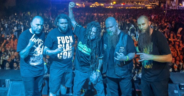 SIX FEET UNDER Issue Lyric Video For New Track 'Zodiac' https://t.co/gVhoVfwEHC @sixfeetofficial @MetalBlade @metalbladeurope #SixFeetUnder https://t.co/0QcDerEdfc