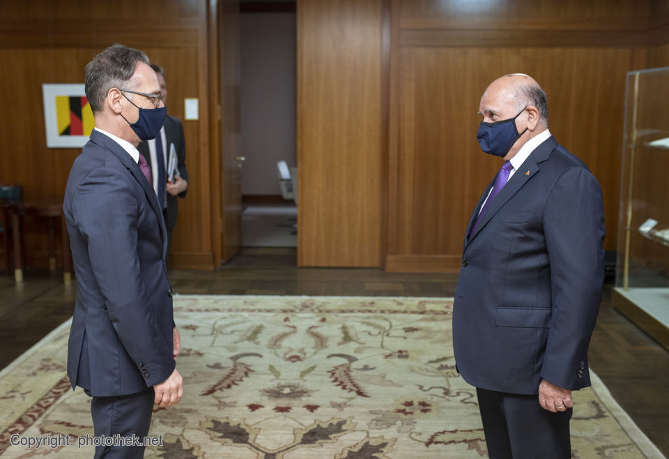 The people in Iraq are still suffering from the impact of IS' reign of terror. Germany supports Iraq in the fight against terrorism and in efforts to stabilise liberated regions, @HeikoMaas emphasised in talks with his Iraqi counterpart Fuad Hussein today. https://t.co/9sTHtJtf27