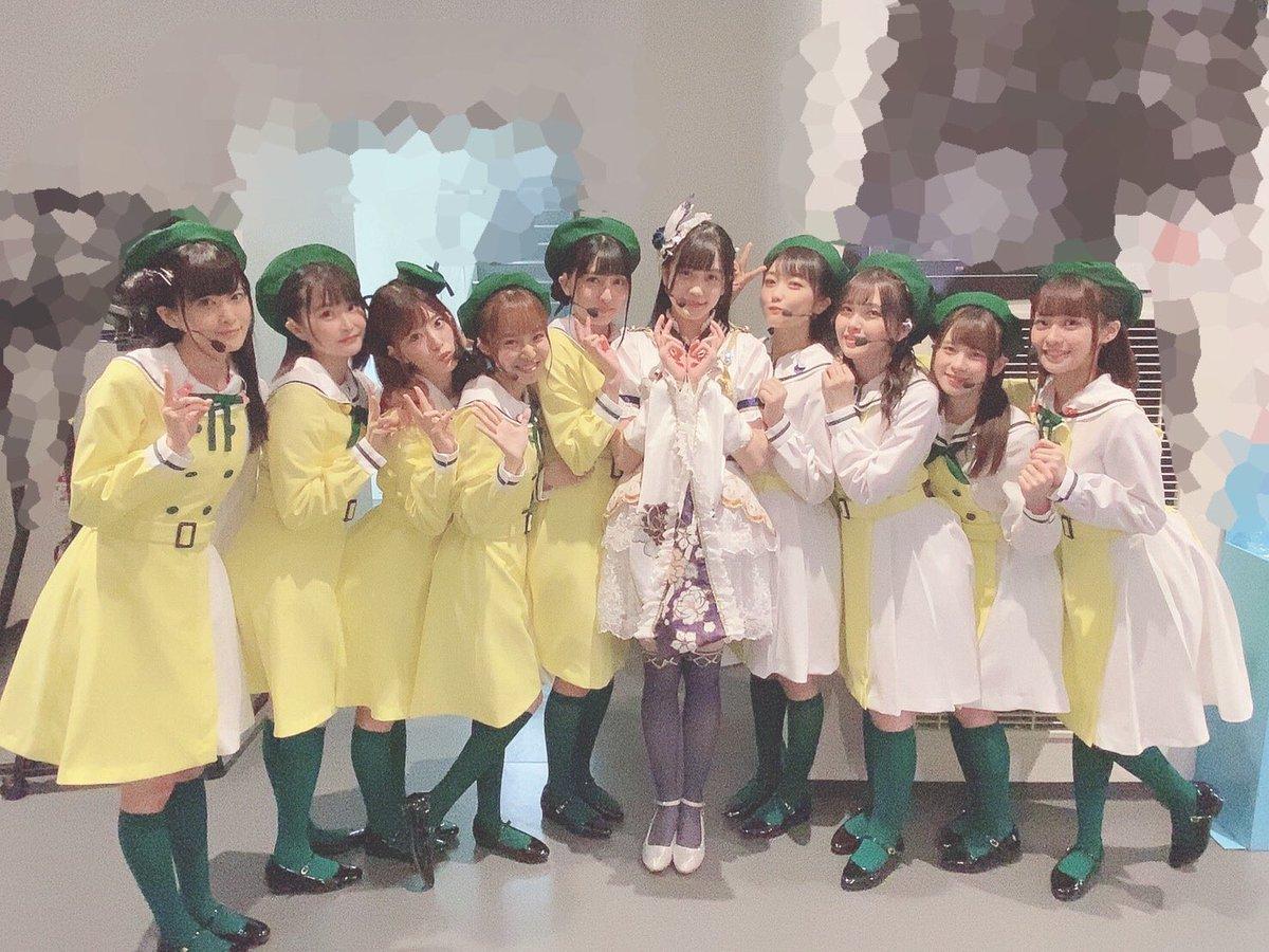 オフショット載せていくね! まず未来ハーモニー! ベレー帽可愛い!  学年ごとにリボンだったりネクタイだったりするんだよ〜! A・ZU・NA衣装!カラフルで可愛い〜 ポーチにはハンカチ入ってます! また着たいなぁ☺️ダンスがテンポ早くて大変だったけど楽しかった! #虹ヶ咲 #TOKIMEKI