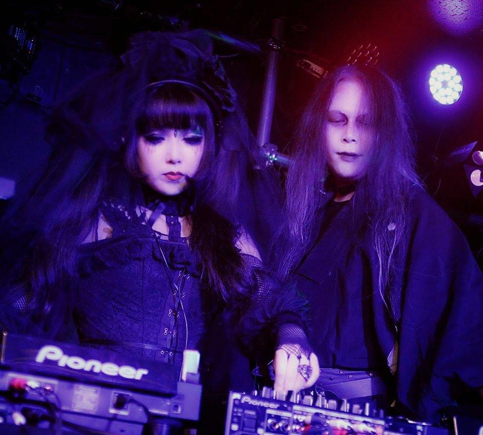 *出演・出展予定* ☆=Plastic+Prin ★=DJ/Götediener ◆=Back dancer/Seileen  2020/9/19◆ Powerful drug (三軒茶屋) 2020/9/20★ DJ DARK CASTLE (新宿) 2020/11/28★ DJ DARK CASTLE (池袋) 2021/3/7☆ #アーティズムマーケット https://t.co/IvXXOPeNNX