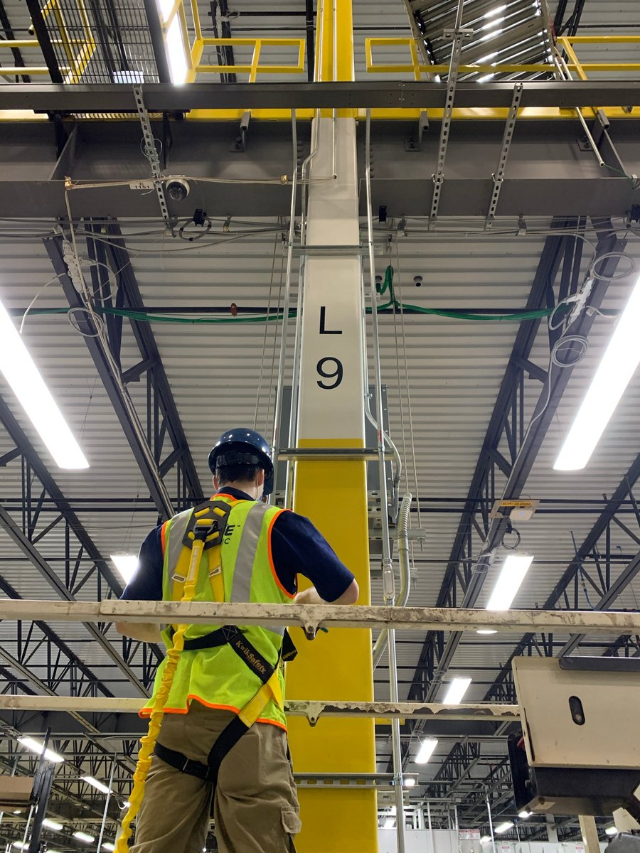Replying to @serve_electric: Climbing columns to get the job done!