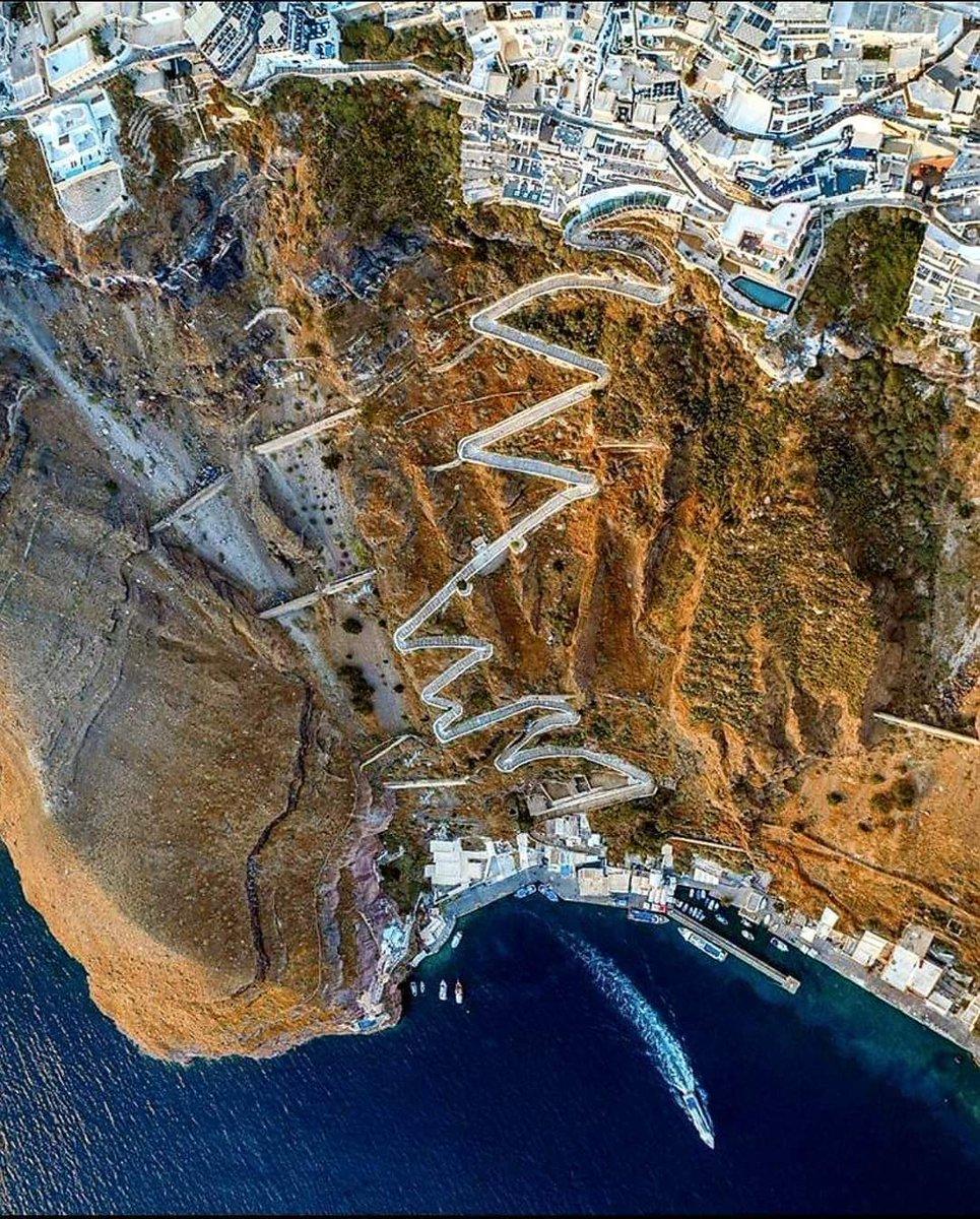 An amazing photo from above of #Santorini island #Greece 🥰 via @DiogenisSinopis #AegeanSea