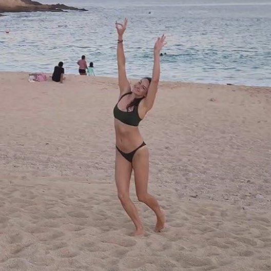 Woodley bikini shailene Shailene Woodley