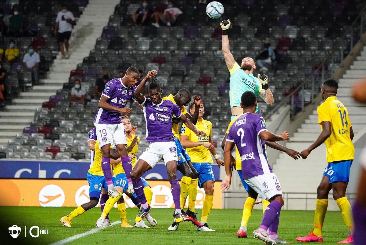 Toulouse vient de prendre son premier point de la saison à l'occasion du 0-0 de ce soir face à Sochaux.  Le Téfécé réalise le deuxième match nul depuis novembre 2019 en compétition officielle (22 matches : 0 victoire, 2 nuls et 20 défaites). https://t.co/Ajcpt1zpkk