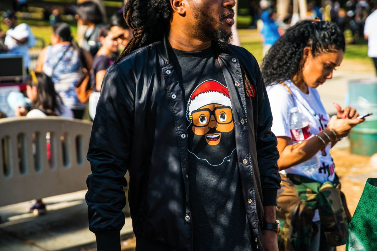 Black Santa stands for diversity, community, and inclusion. Learn more and shop to support at https://t.co/2vR5SaTMb1!  #blacksanta #blackculturematters #blackentrepreneurs #supportblackbusinesses #minorityowned #minoritybusinessowner #communitymatters https://t.co/urNElLDaIv