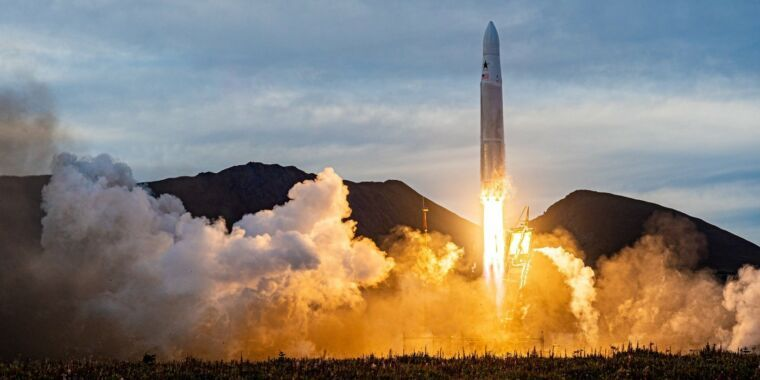 Astra finally launches its first orbital rocket, and it flew for 30 seconds - https://t.co/jQMMt5P2oU by @SciGuySpace
