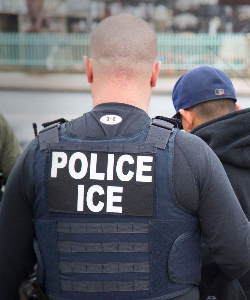 @YahooNews's photo on ICE Facility
