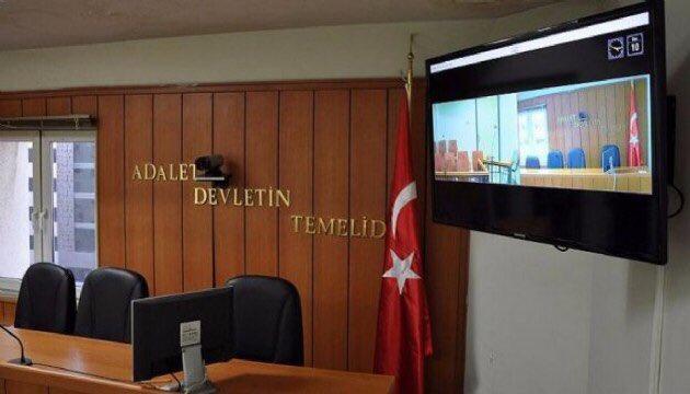 3. Yargı paketiyle yasalaştırdığımız #HukukMuhakemeleriKanunu'nda yapılan değişiklikle Avukatların online olarak duruşmalara katılmasını sağlayacak e-duruşma uygulaması 15 Eylül (Bu gün) Ankara Batı Adliyesinde başlıyor. Hayırlı olsun. https://t.co/Zf6HwbqDta