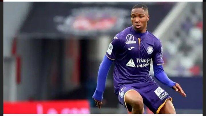 🇨🇵|@Ligue2BKT  Toulouse 0-0 Sochaux  Bafode Diakite ha disputado 90' minutos en el encuentro  Despejes 3 Intercepciones 1 Entradas 2 Pases acertados 90/61 (78,2%) Duelos aéreos (ganados) 7(7) Pases claves 1 Balones largos (completados)10(2) Media SofaScore 7,3 partido #Toulouse https://t.co/zVfxDmetPG