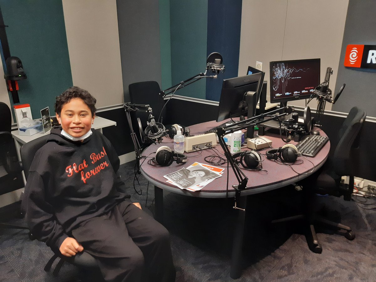 Massive arohas and shout out to Indira Stewart and the team at RNZ  for hosting our team of Flat Bush student writers and recording them reading their stories. An awesome experience for all of us! #flatbushwriters #readNZ #writingwarriors @nzbookcouncil https://t.co/wp3muI8zAn