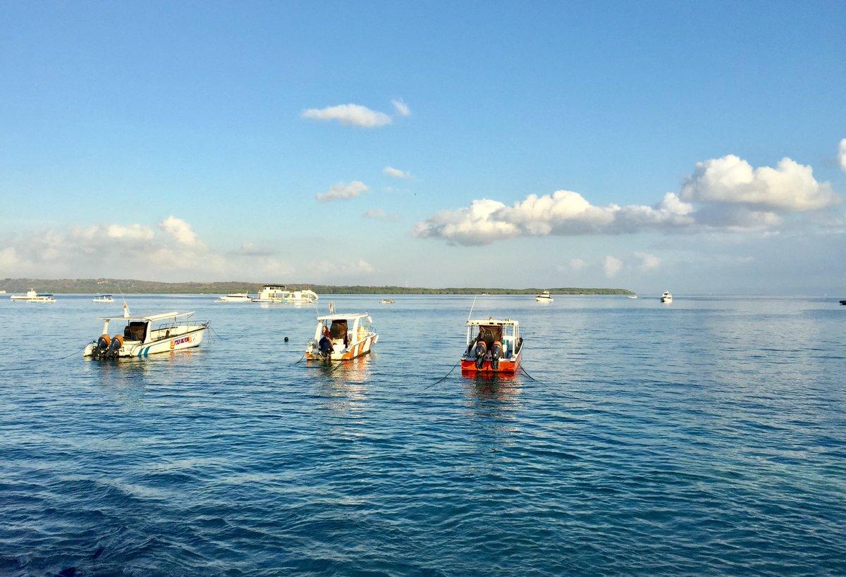 Morning in Toya Pakeh harbor, #Penida https://t.co/qDGytKWXe1