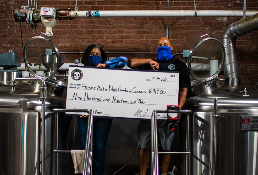 Thank you @FullCircleBrews for the wonderful partnership of the #BlackisBeautiful stout. Today @FullCircleBrews awarded us with a portion of the proceeds from the stout beer that will benefit our African American student assistance fund. Thank you to everyone who supported us! https://t.co/IqWmNoPcIF