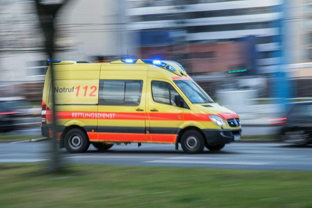 In #Reichenbach im #Vogtland ist am Montag bei einem Unfall ein Motorradfahrer schwer verletzt worden. https://t.co/bKDwg4Tmpl https://t.co/qd0B7VD4tr