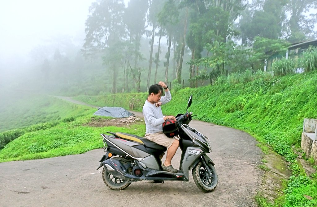 Couldn't be more happy to be at my beautiful paradise after 6 months due to Corona Pandemic. Serene, pristine & Cool. #Homecoming #pandemiclife #maigicalmirik #NatureGreen https://t.co/22kzMEXz8Y