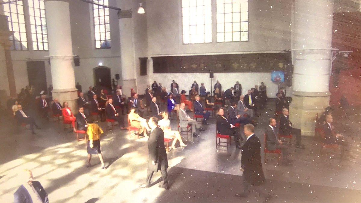 Daar gaat ie; @erikziengs als lid van de commissie van in- en uitgeleide mag het koningspaar ophalen voor de #Troonrede #Prinsjesdag nu in de Grote Kerk https://t.co/yjvZ7E8LrZ