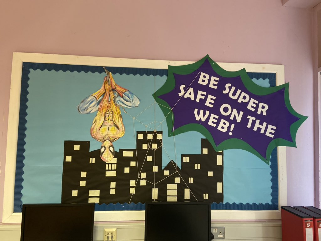 A few wall displays can really brighten up the classroom!