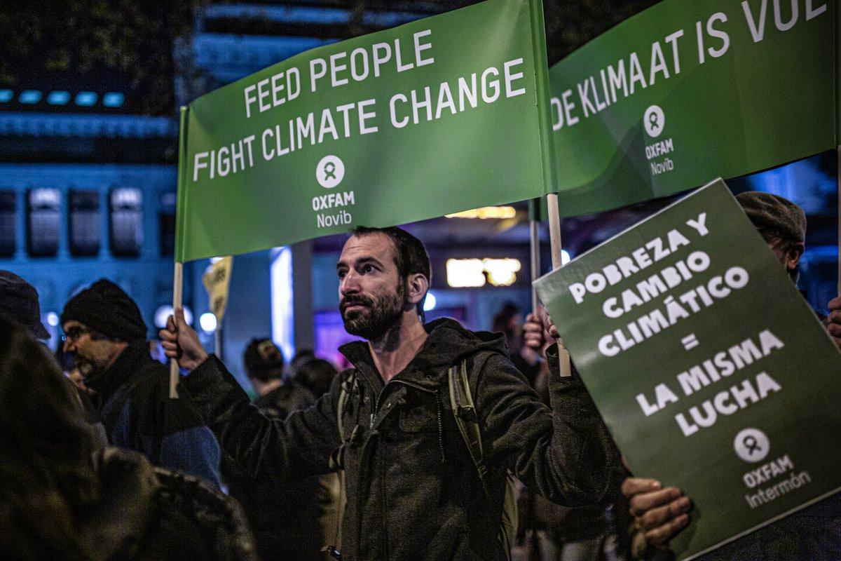 #DemandaPorElClima: @ecologistas, @greenpeace_esp y @OxfamIntermon demandamos al Gobierno para exigir mayor ambición climática👉 Este anuncio histórico se suma a la lista de litigios climáticos presentados en todo el mundo🌍 en los últimos años https://t.co/j0Sgpc2Qsb https://t.co/HAmPqXGQ9D