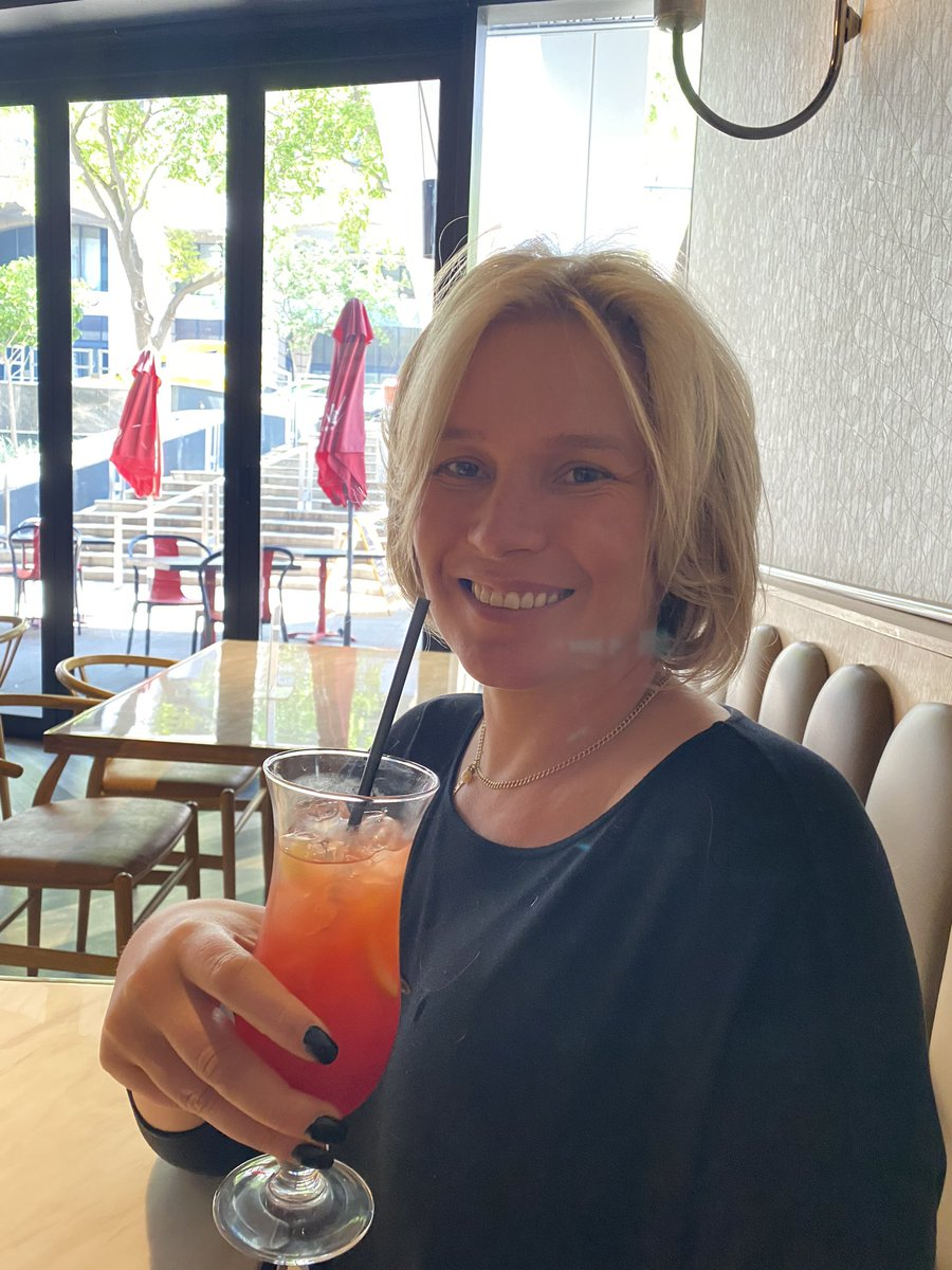 Cheers. 🍹  Quick lunch after hairdresser and before a judicial caning later this afternoon. https://t.co/EaI9Mk9DXZ