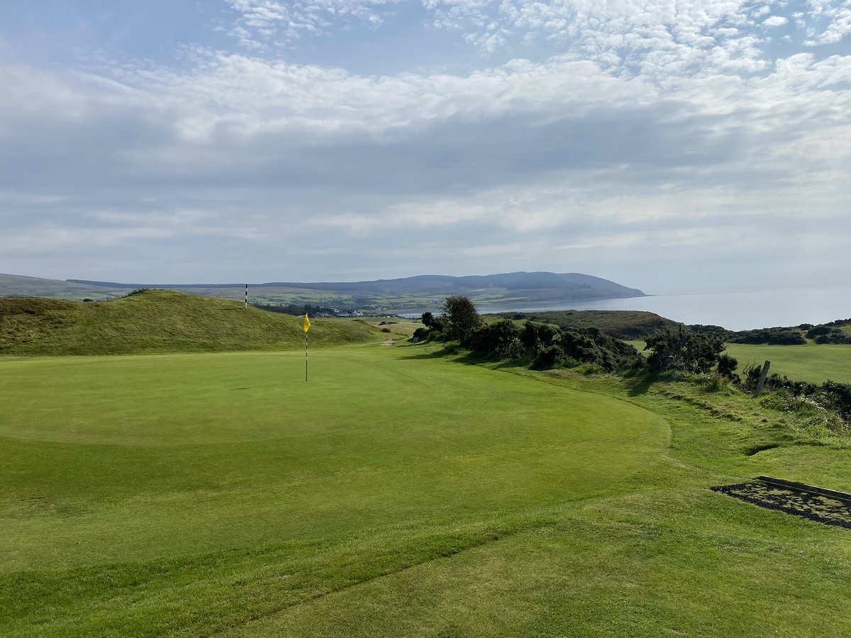 Great fun playing @ShiskineGolf on a beautiful day on @VisitArran Stunning views all round ⛳️👍
