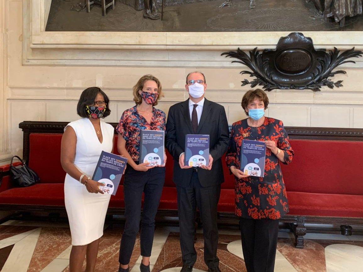 Je remercie le Premier Ministre @JeanCASTEX de son engagement appuyé, aux côtés des ministres @R_Bachelot et @1ElisaMoreno, en faveur d'une plus grande #égalité entre les #femmes et les #hommes dans les #médias.  Saisissons-nous toutes et tous des 26 préconisations du rapport ! https://t.co/zjwhiYZCgu