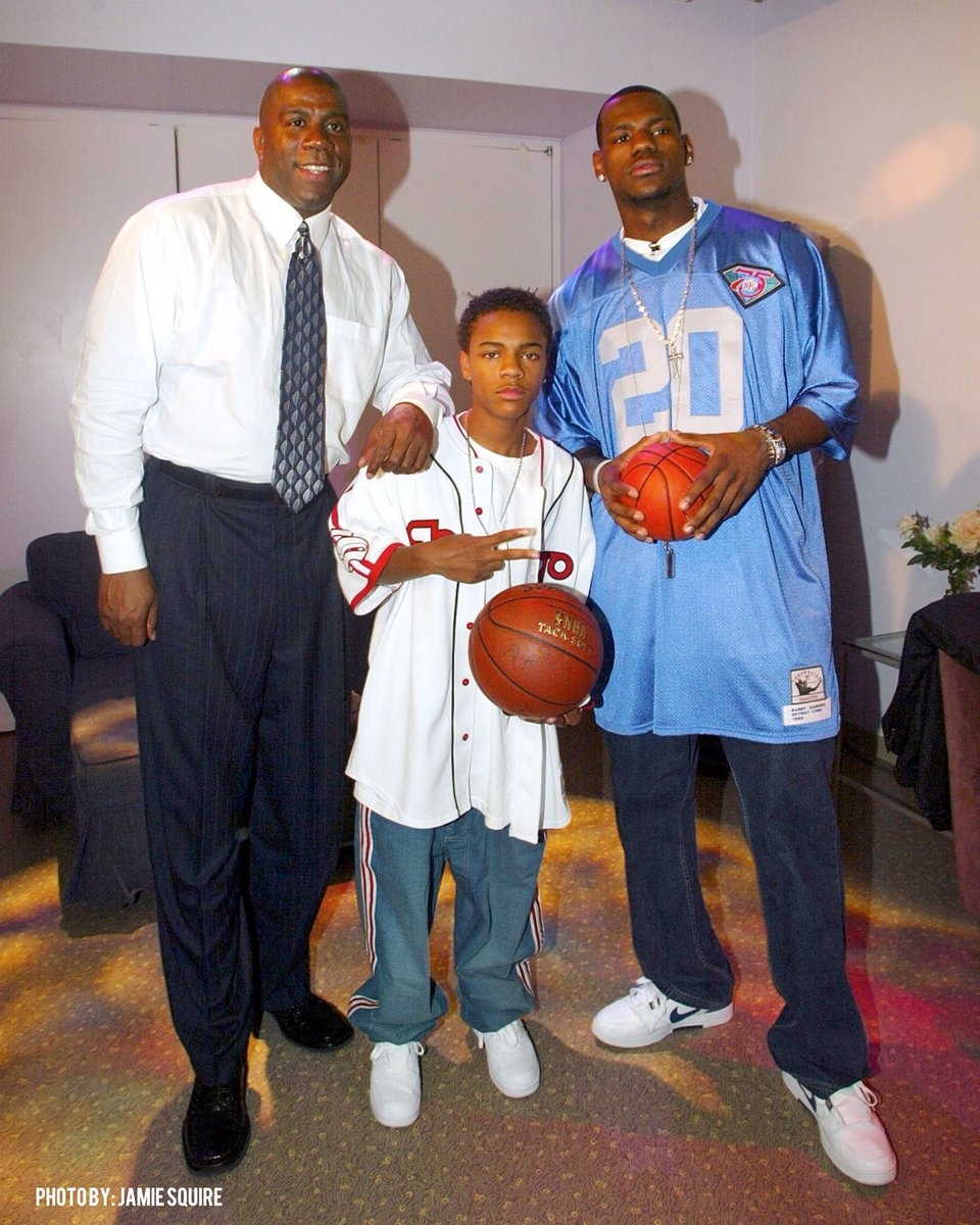 LeBron, Magic, La La, and Bow Wow on MTV's TRL in 2003. What a time. 📸
