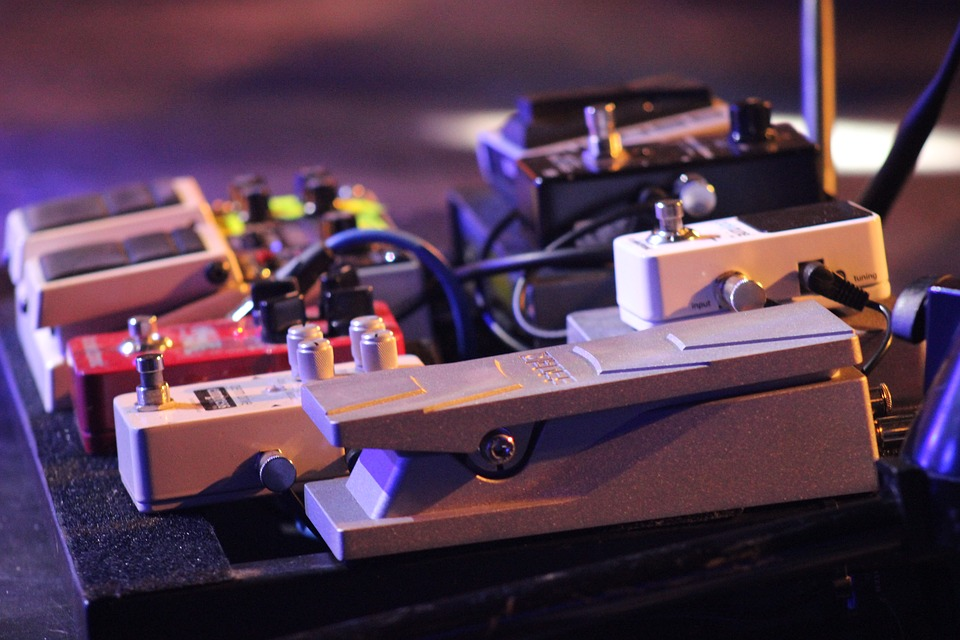 Looking to expand your tonal horizons? Here's some tips on setting up your pedalboard for maximum sonic rewards. 🤘  Read more: https://t.co/SxwTMvDe9S  #liveformusic https://t.co/VIntnkmSJC
