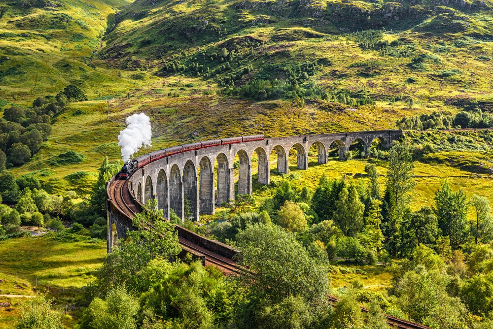 Explore the countryside, hills and landscapes, awe-inspiring landmarks and coastal seascapes in Scotland with Loganair.  Book the perfect autumn break now https://t.co/c5acAuQ5D7 https://t.co/GqcL784Wd5