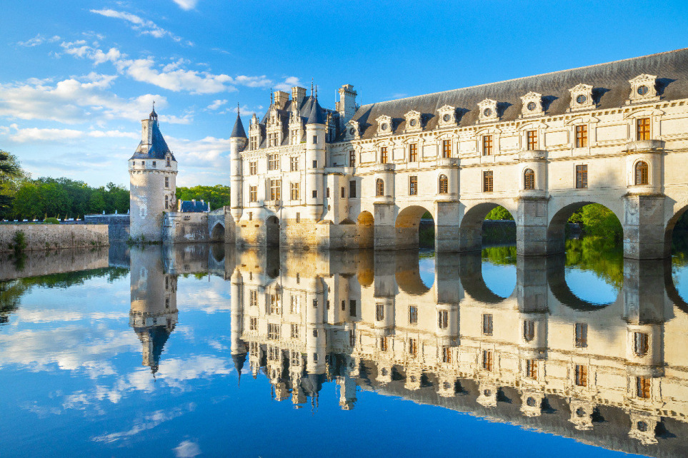 CHANEL to host its upcoming Métiers d'art show at Château de Chenonceau, Loire Valley     #Chanel #ChanelMetiersDArt #LoireValley #ChateaudeChenonceau #France #catwalk #couture #hautecouture #VirginieViard @CHANEL