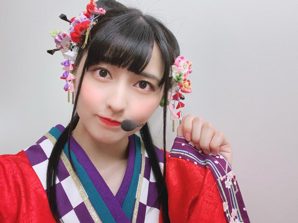 3rdアルバムの衣装も素敵でしょ~!!栞子ちゃんとは紅白で良い感じでした☺️