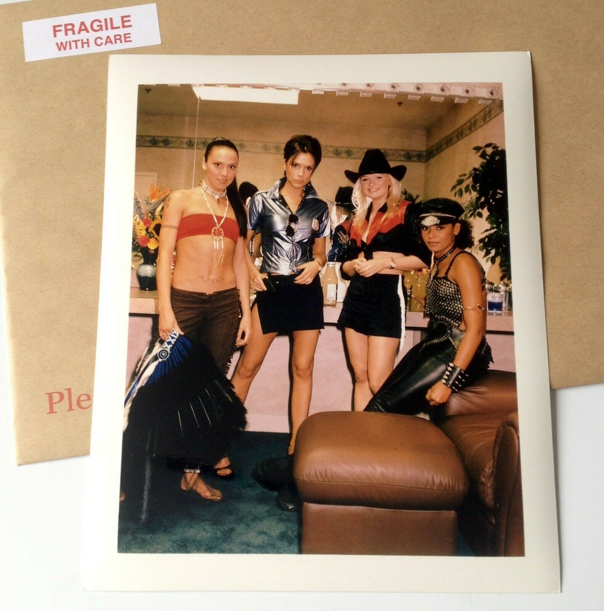 #MelB of #TheSpiceGirls backstage during the #SpiceWorld tour.   Promo(tion) Prints @   eBay https://t.co/mfBsbPm2It   Etsy https://t.co/5Z1V94TxBt  #ScarySpice #PoshSpice #SpiceGirls #EmmaBunton #VictoriaBeckham   #MelanieChisholm New album/tour info https://t.co/M7aeb6gSD7 https://t.co/3TExFA8tKb