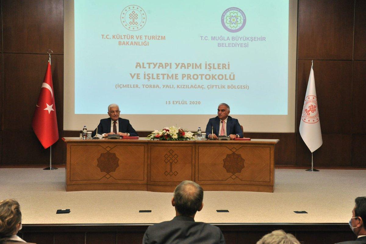 Bodrum İçmeler-Torba Atıksu Arıtma Tesisi ve Bağlantılı Altyapı Tesisleri Projesi'ni hayata geçirmek üzere Muğla Büyükşehir Belediyesi ile iş birliği protokolü imzaladık.   Türkiye'yi #MaviBayrak'ta lider ülke yapacak altyapı yatırımlarına büyük önem veriyoruz. https://t.co/3cnewBbu17